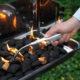 Anzünder H&W Würfel Grill brennend
